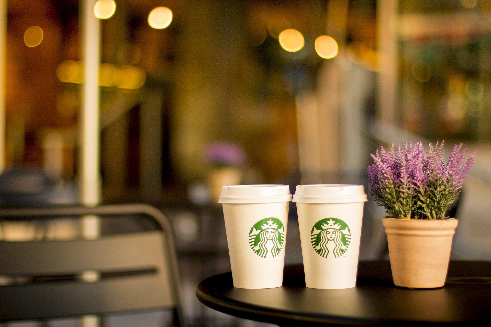 スタバのクリスマスブレンドコーヒーで、プチ贅沢なおうち時間を楽しもう!